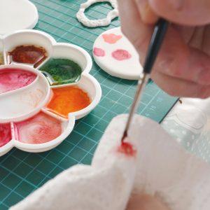 using-alcohol-to-paint-fondant